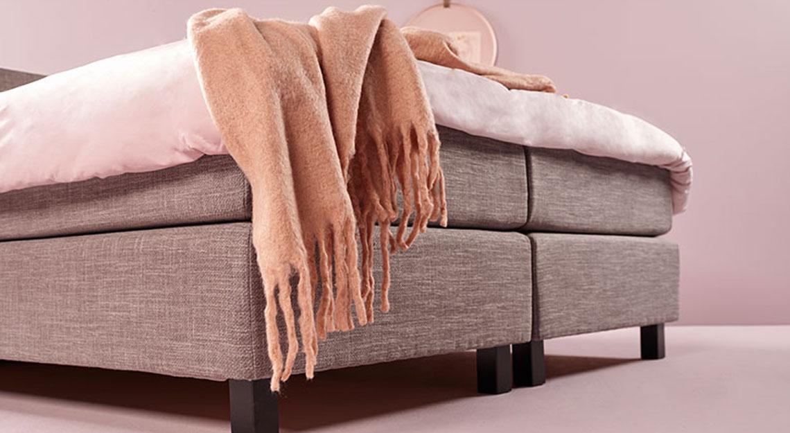 Roze in je interieur op de slaapkamer bij Jansen Totaal Wonen